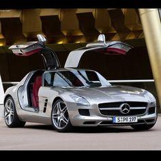 Stunning Mercedes SLS #gullwing