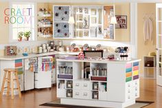 I ♥ this craft room!
