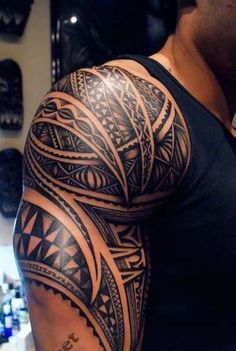 Nice maori tattoo on shoulder