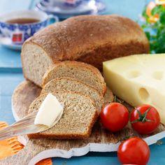 Grova formbröd - recept   Mitt kök Swedish Recipes, Dory, Cornbread, Baking Recipes, Camembert Cheese, French Toast, Rolls, Food And Drink, Vegan