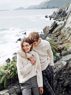 Andreea Diaconu Models Cozy Winter Looks from J. Crew by Fashion Gone Rogue Couple Photography Poses, Outdoor Photography, Fashion Photography, Couple Style, Couple Posing, Couple Shoot, Fashion Editorial Couple, Fashion Shoot, Style Fashion
