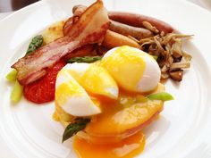 Egg Benedict *photo by afs