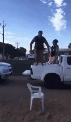 11 Pics-No Way They Can Be This Stupid LOL See Gallery http://omgshots.com/3214-pictures-that-make-you-say-they-cant-be-this-stupid.html