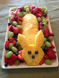 Easter Fruit Bunny for brunch pineapple bunny fruit platter Easter Bunny Fruit Tray, Easter Treats, Easter Food, Easter Snacks, Easter Appetizers, Hoppy Easter, Easter Salad, Easter Funny, Easter Dishes