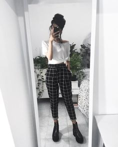 23 Plaid Pants Outfit - 23 Plaid Pants Outfit Source by shellyredmonfashioideas - Lazy Outfits, Mode Outfits, Cute Casual Outfits, Retro Outfits, Vintage Outfits, Summer Outfits, Fashion Outfits, Girly Outfits, Hijab Fashion