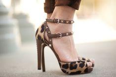 Valentino Rockstud Leopard heel