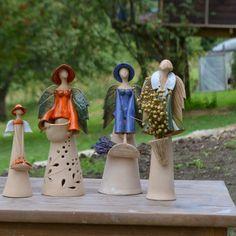 Zamówione Anioły jeden z nich lawendowy ma jeszcze zielony kapelusz na foto jest bez. Pozdrawiam Joanna Ceramic Decor, Ceramic Pottery, Pottery Art, Life In Pieces, Pottery Angels, Clay Angel, Handmade Angels, Clay Stamps, Ceramic Angels
