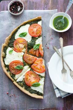 My incessant ways to bottle up #summer with a homemade Caprese Salad #Pizza :)