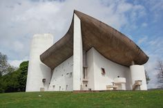 Notre Dame du Haut, Ronchamp, France, 1954 / Le Corbusier