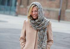 Scoodie Scarf in Schachenmayr Soraya - - Dow Crochet Snood, Crochet Adult Hat, Crochet Hooded Scarf, Crochet Hoodie, Crochet Scarves, Hooded Cowl, Free Crochet, Hooded Scarf Pattern, Dress Gloves