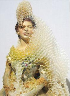 ミツバチとコラボレーションして生まれた、蜂の巣アート(写真ギャラリー)10 : 画像アップロード