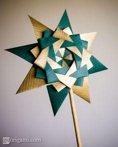 Braided Corona Star by Maria Sinayskaya - Instructions | Go Origami!