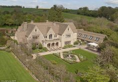 To the manor reborn: Britain's super-rich abandoning decaying stately piles and building brand new mansions on their country estates | Mail Online