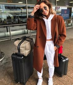 COCOMO - Reiseoutfits, You are in the right place about chill outfits Here we Winter Fashion Outfits, Fall Winter Outfits, Look Fashion, Trendy Outfits, Autumn Fashion, Cute Outfits, Cute Travel Outfits, Traveling Outfits, Comfy Fall Outfits