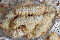 Biscuiti spritati, cu untura - CAIETUL CU RETETE Krispie Treats, Rice Krispies, Romania, Cakes, Desserts, Food, Bebe, Tailgate Desserts, Deserts