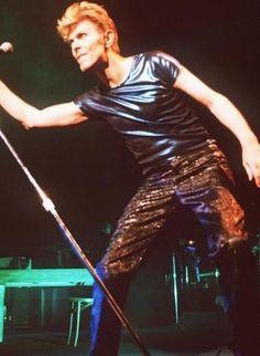 vezzipuss.tumblr.com — David Bowie, Circa 95 〰️〰️