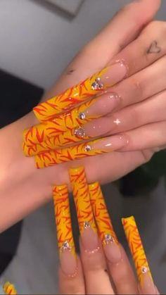 Acrylic Nail Designs Glitter, Acrylic Nails Coffin Pink, Long Square Acrylic Nails, Summer Acrylic Nails, Long Cute Nails, Really Cute Nails, Trendy Nails, Drip Nails, Glow Nails