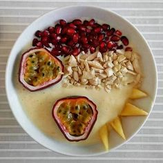 Hummus, Smoothie, Fruit, Breakfast, Ethnic Recipes, Food, Homemade Hummus, Smoothies, Morning Coffee