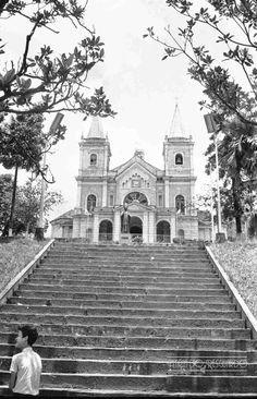 Catedral Metropolitana, Av. Rio Branco, em fevereiro de 1965 (foto autoria de Jorge Couri).