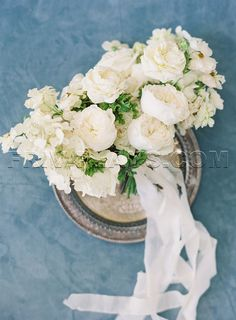 All white bridal bouquet from a Blue Greek-Inspired Wedding of The Inn at Rancho Santa Fe White Wedding Bouquets, Bride Bouquets, Flower Bouquet Wedding, Bridesmaid Bouquet, Bridesmaids, Wedding Flower Guide, White Wedding Flowers, Floral Wedding, Red Flowers