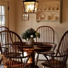 Goodnight friends, it's almost Friday! The evening light in the spring and summer will always be my favorite. Kitchen Dinning Room, Dining Room Table, Dining Rooms, French Decor, French Country Decorating, Country French, Country Style, Bedroom Furniture Sets, Home Furniture