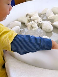 """We've seen this beautiful ice play before at Ringwood Uniting Preschool and it was out again recently during some really hot weather."" Irresistible Ideas for play based learning » Blog Archive » cool ice play"