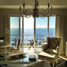 Honeymoon In The Cape – Your Options Are Here | 12 Apostles Hotel Camps Bay Cape Town | Venuelust