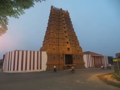 Jaffna Hindu Temple Hindu Temple, Cool Places To Visit, Sri Lanka, Exploring, The Good Place, Tower, Building, Travel, Rook