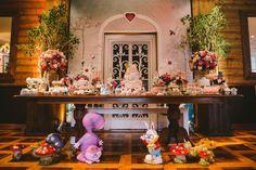 Mesa da festa Alice no País das Maravilhas