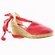 Slight Wedge Fuchsia Espadrilles by Lobo. Casual with a bit of flair these slightly wedged espadrilles will add a light touch of Spain to your outfit. Spanish Shoes, Spanish Espadrilles, Parisian Style, Cotton Lace, Fashion Online, Saint Laurent, Wedges, Heels, Boots