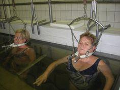 A krónikus derék- és nyaktáji fájdalmakban szenvedőknek rendkívül hatékony lehet a súlyfürdő. A módszert egy hévízi reumatológus szakorvos dolgozta ki még 1953-ban.