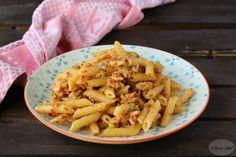 Pasta al pesto di pomodori secchi e pistacchi con salmone