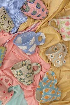 Ceramic Pottery, Pottery Art, Ceramic Art, Pottery Painting, Pottery Bowls, Ceramic Painting, Ceramic Animals, Pottery Designs, Ceramic Jewelry