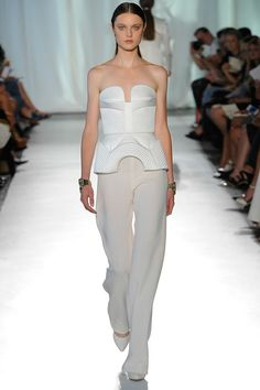 Sass & Bide Spring 2014 Ready-to-Wear Fashion Show New York Fashion, Runway Fashion, Spring Fashion, Fashion Show, Fashion Design, White Fashion, Wedding Pantsuit, Trend Council, 2014 Trends