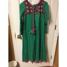 Pakistani dress  never worn comes with scarf and pajama Dresses