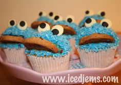 Cookie Monster Cupcake Recipe with great picture tutorial