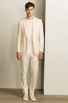 See all the Collection photos from Gieves & Hawkes Spring/Summer 2016 Menswear now on British Vogue Men Fashion Show, Mens Fashion Week, Men's Fashion, Fashion Trends, Fashion Week Hommes, Vogue Paris, Well Dressed, Mens Suits, Marie