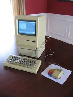 Apple Macintosh 512K M0001E Mac System.