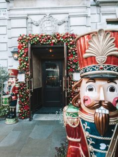 London looks so pretty during Christmas. Here's my guide on the best spots for pictures in the capital. Festival Decorations, Christmas Decorations, Beautiful London, London Look, London Christmas, London Pictures, Backpacking Tips, Trip Planning, Travel Inspiration