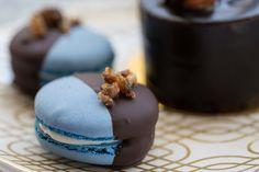 delectabledelight: Bleu Cheese-Bacon Macaron (by Tom Noe)