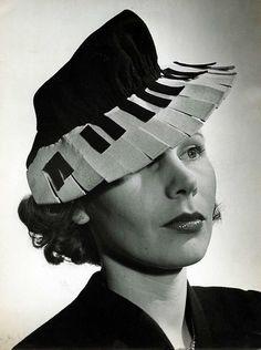 piano hat, 1940.