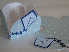 Forminhas de Docinhos Crafts For Boys, Diy And Crafts, Packaging Box, Silhouette Projects, Birthday Decorations, Paper Art, Birthday Parties, Baby Shower, Scrapbook