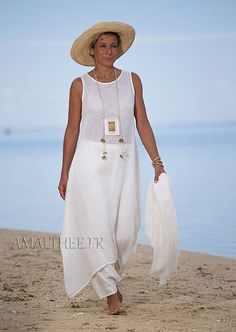 Linen summer outfit for women :natural white linen tunic with sarouel skirt: