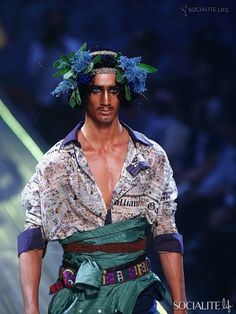 John Galliano Paris Fashion Week Menswear Spring/Summer 2010 – Weekend Roundup | 6 | Socialite Life