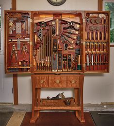 Woodworking Tool Cabinet, Antique Woodworking Tools, Woodworking Equipment, Antique Tools, Woodworking Skills, Popular Woodworking, Fine Woodworking, Woodworking Projects, Carpentry Tools