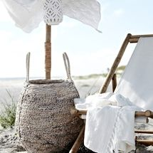 Classic fresh white and sand! Summer style at its best! Summer folding beach lounger with a beach umbrella! Huge white woven basket to hold beach essentials likes towels, lotions, snacks and beverages! Ibiza, Spring Summer 2016, Summer Of Love, Summer Brown, Summer Breeze, Summer Vibes, Beach Day, Summer Beach, Sand Beach