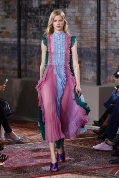 http://www.vogue.ru/collection/spring_summer2016/resort/nyu-york/Gucci/collection/