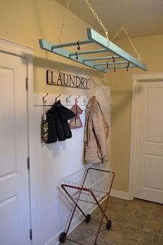 an old ladder to hang-dry clothes.