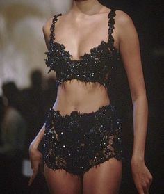 christian dior 1995 - Home Fashion Killa, 90s Fashion, Runway Fashion, High Fashion, Fashion Show, Vintage Fashion, Fashion Outfits, Womens Fashion, Fashion Design