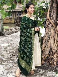 Green gajji silk nakshi bandhej dupatta paired with this Indian Gowns Dresses, Indian Fashion Dresses, Dress Indian Style, Indian Outfits, Anarkali Dress Pattern, Dress Patterns, Bandhani Dress, Kurta Designs Women, Silk Kurti Designs